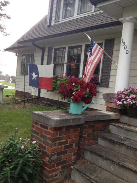 A former Palmer Place resident flies a Texas flag outside their home in support during Harvey.